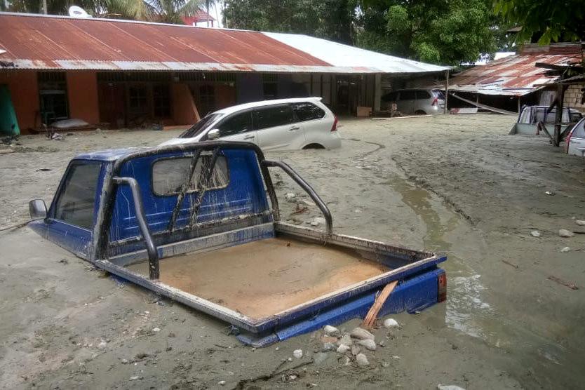 Número de mortos em inundações na Indonésia chega a 89