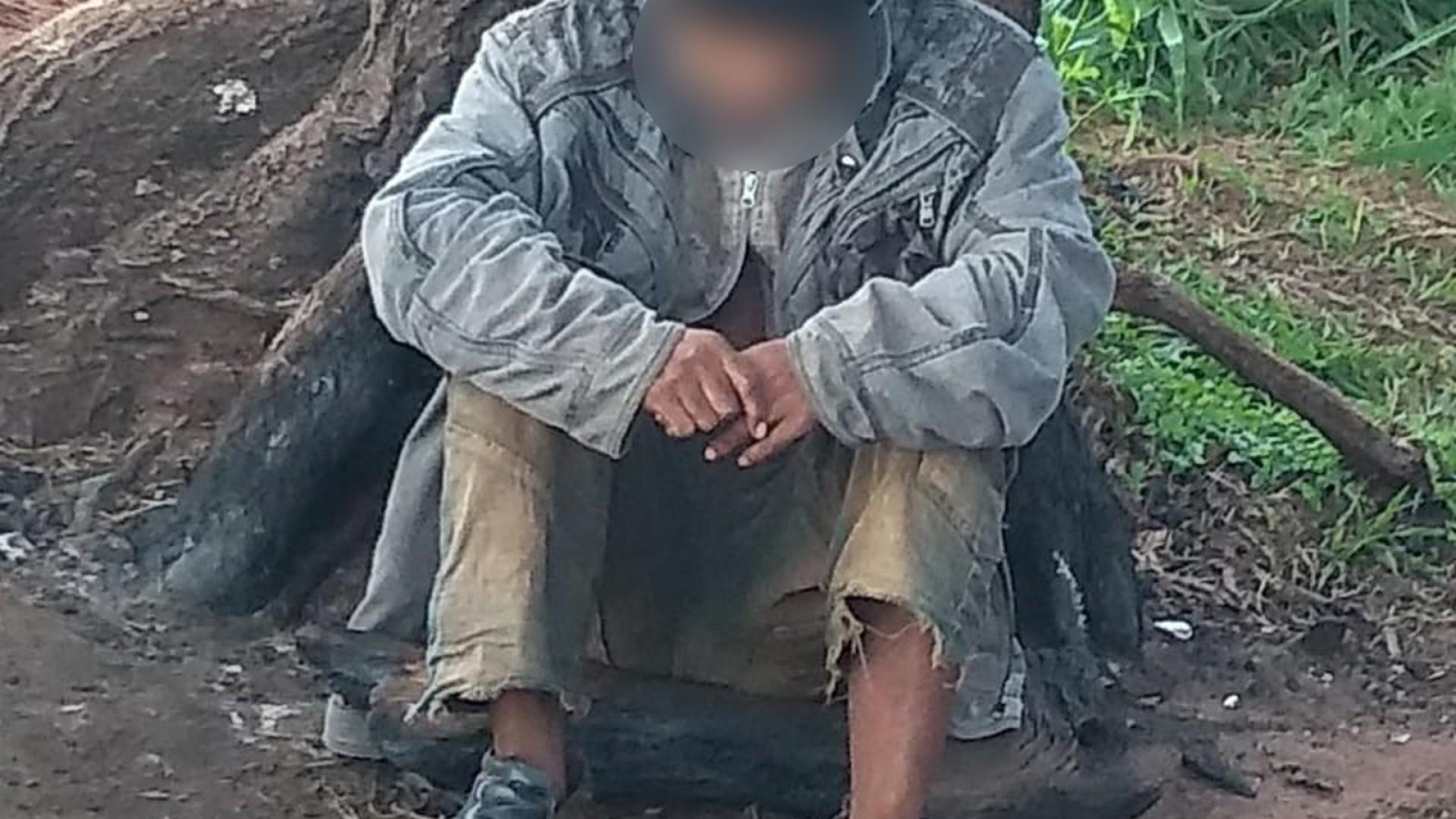 Polícia resgata homem que vivia na mata em condições desumanas