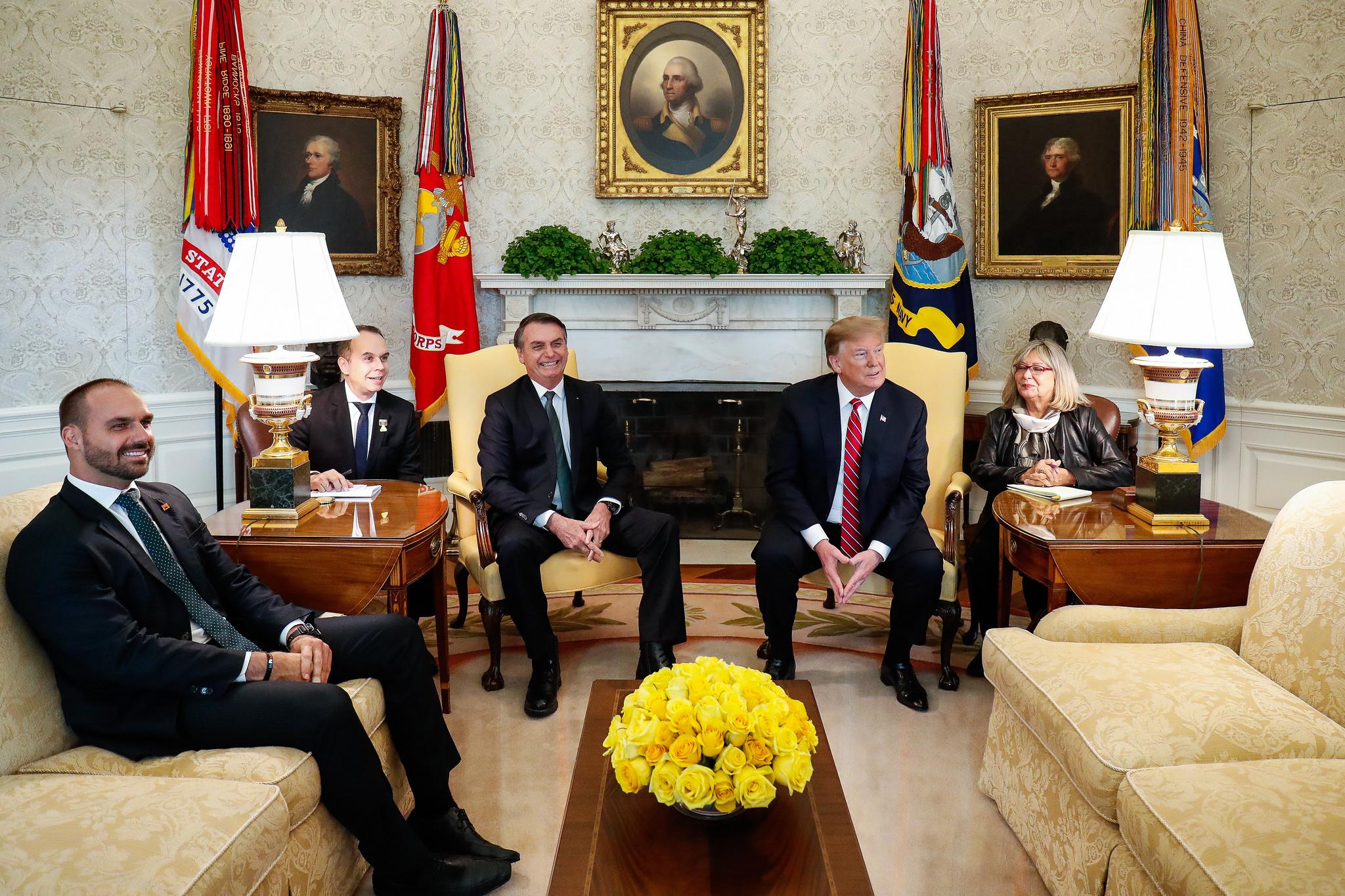 Trump foi quem me chamou para o Salão Oval, diz Eduardo Bolsonaro