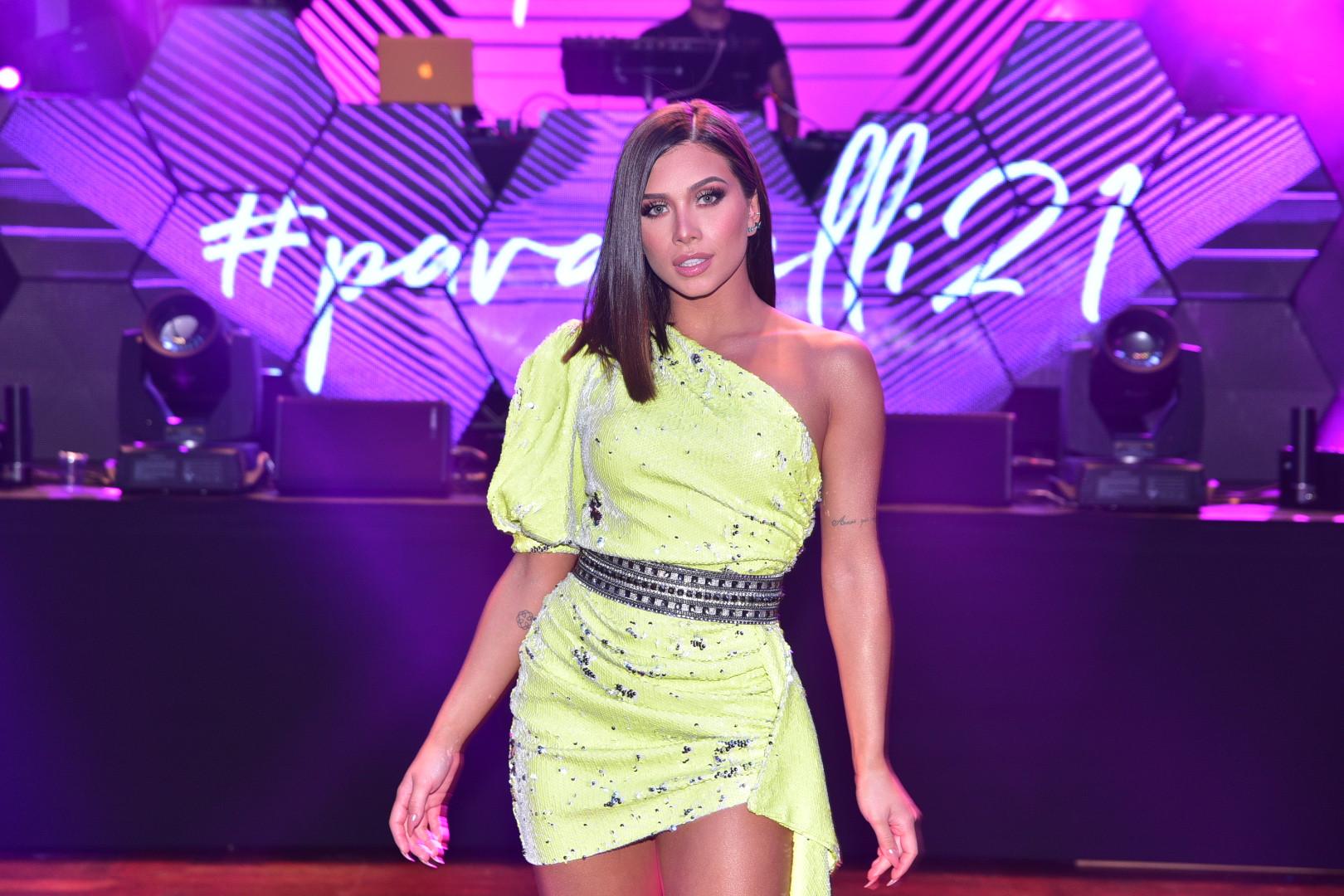 Flávia Pavanelli comemora 21 anos com festa de R$ 1 milhão
