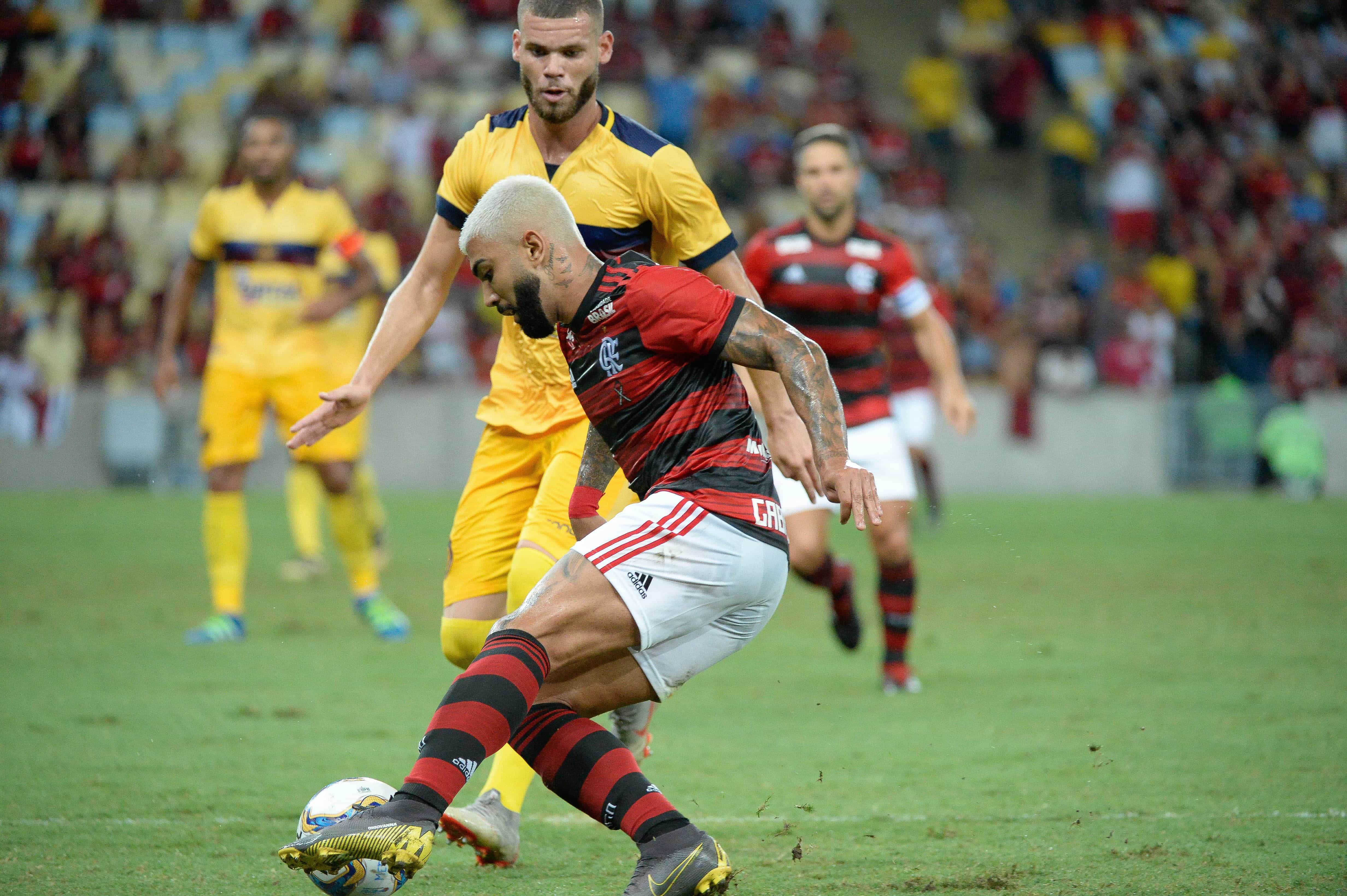 Gabigol marca, Flamengo vence o Madureira e vai à semifinal do Carioca