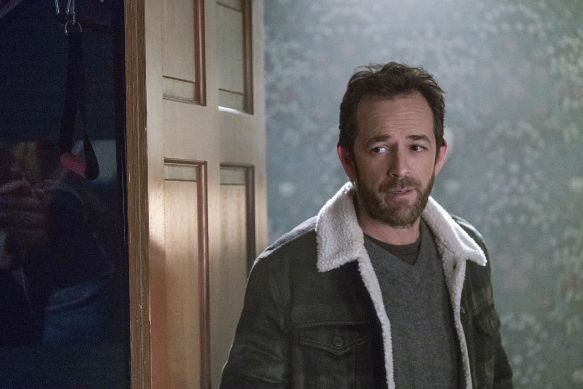 Morte de Luke Perry será incluída nos próximos episódios de 'Riverdale'