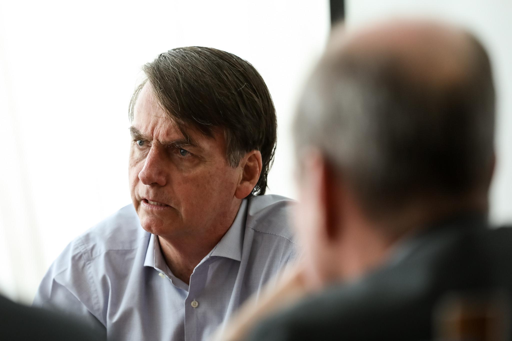 Bolsonaro entrega proposta de reestruturação das carreiras militares