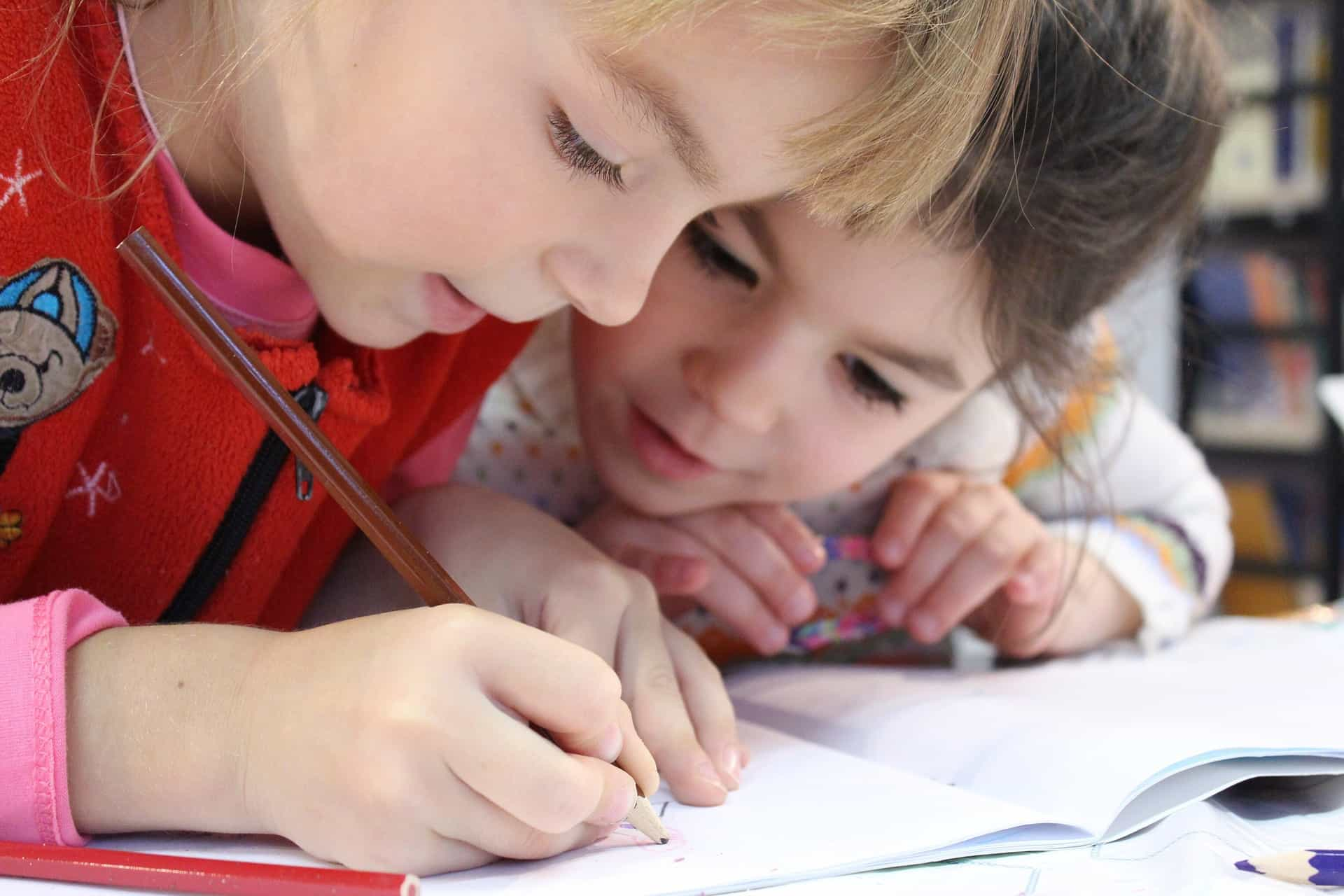 Alfabetização em SP prioriza método híbrido