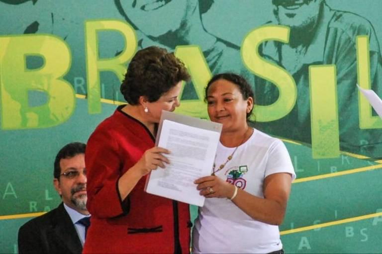 Líder de movimento social é assassinada em assentamento no Pará