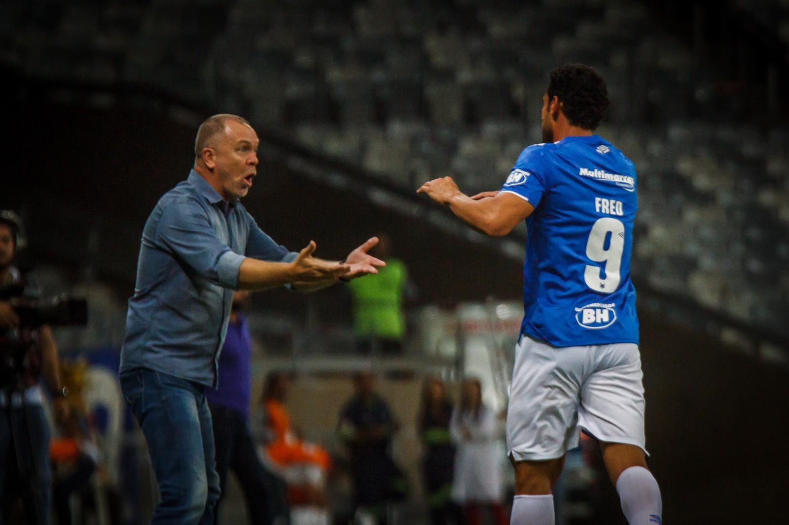 Após goleada, Mano diz que ama o Cruzeiro