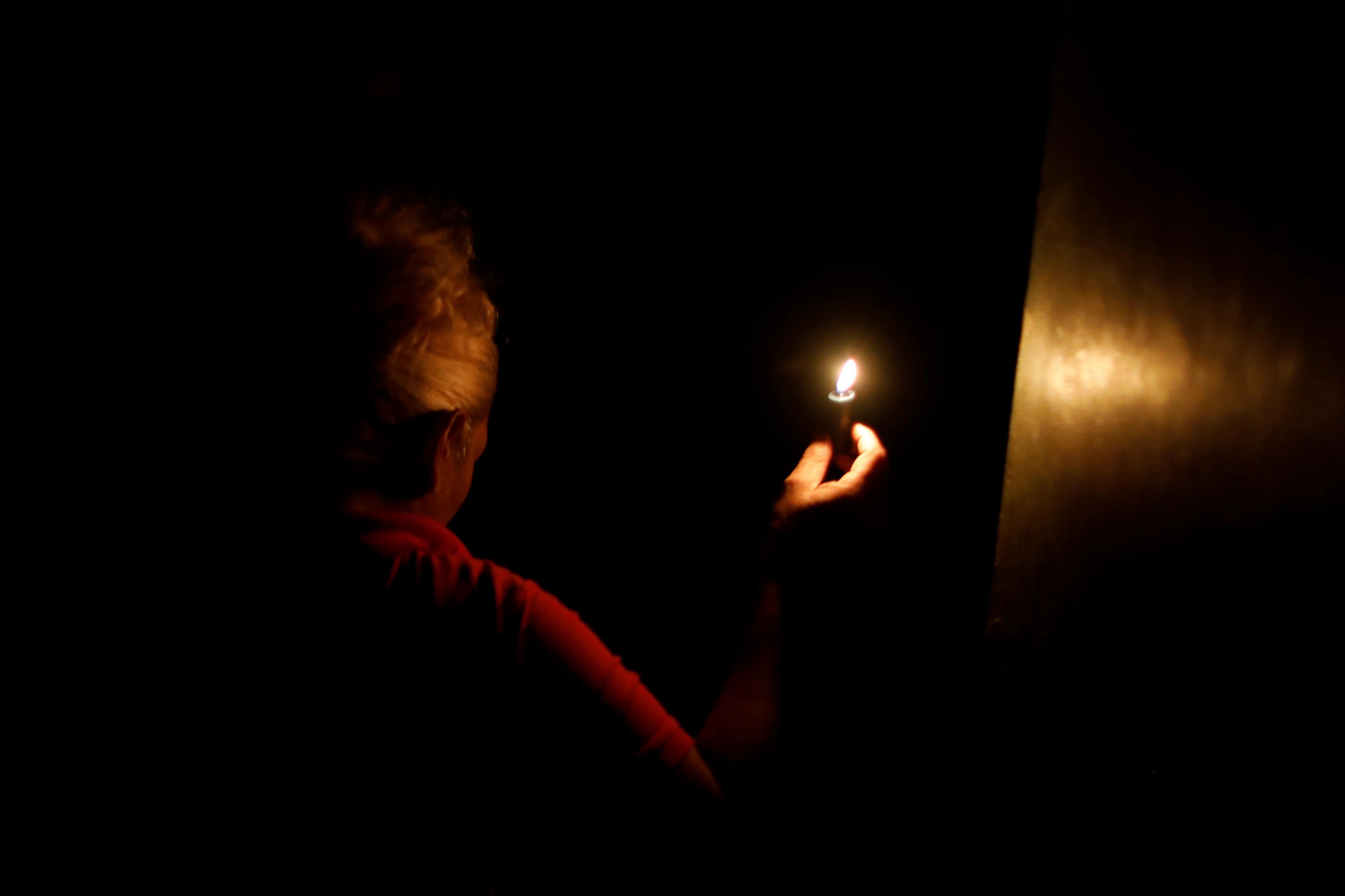 Crise na Venezuela faz blecaute virar rotina em Roraima