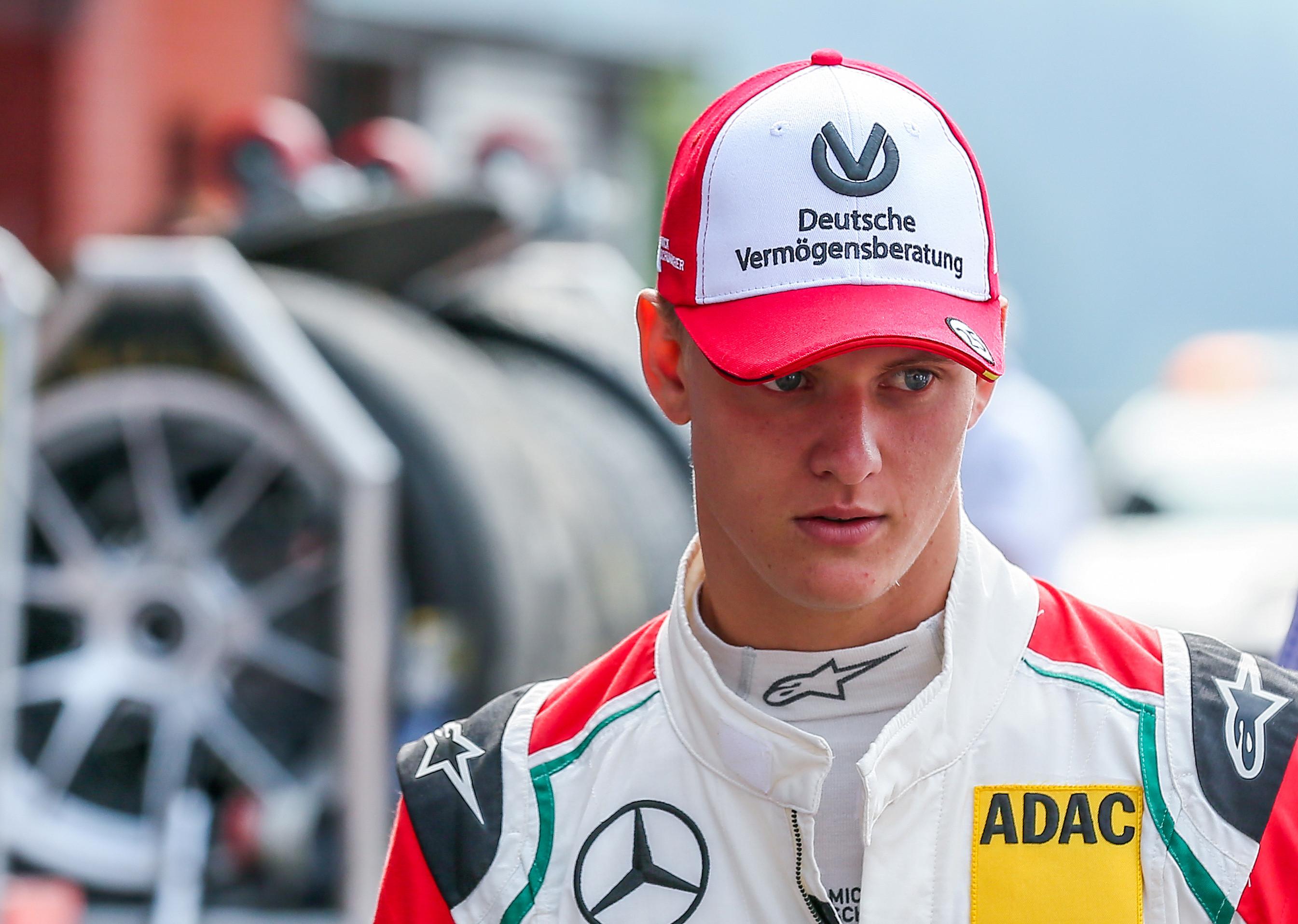 Filho de Schumacher irá testar Ferrari após GP do Bahrein