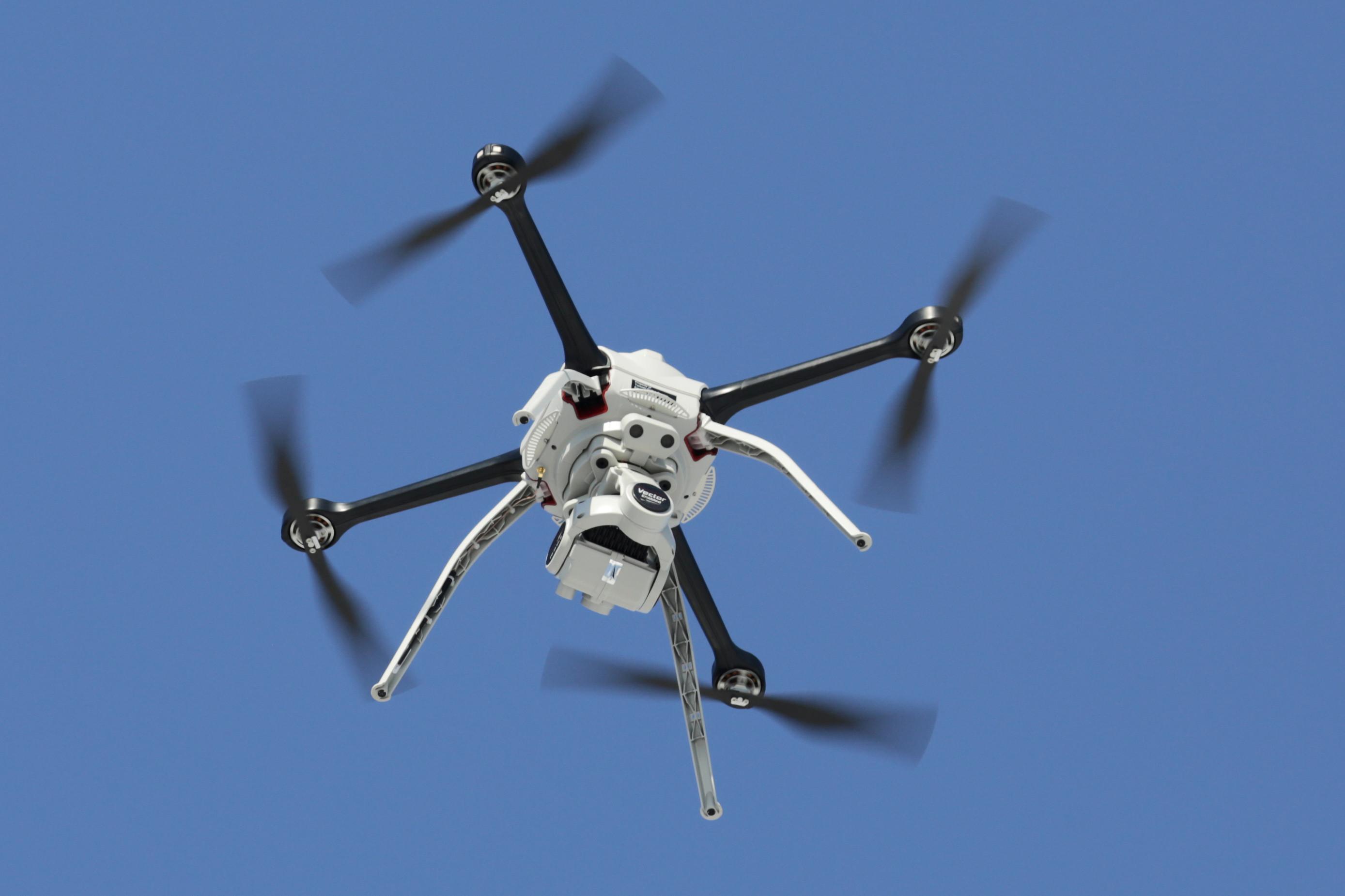 Cidades recorrem a drones para ajudar no combater à dengue em SP
