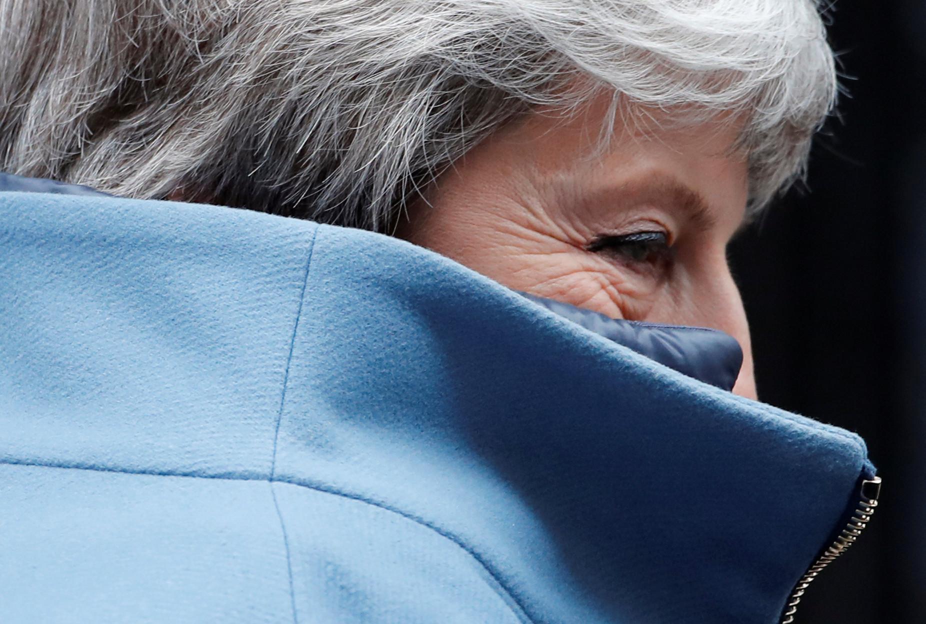 May foge de perguntas sobre reunião com oposição por acordo do brexit