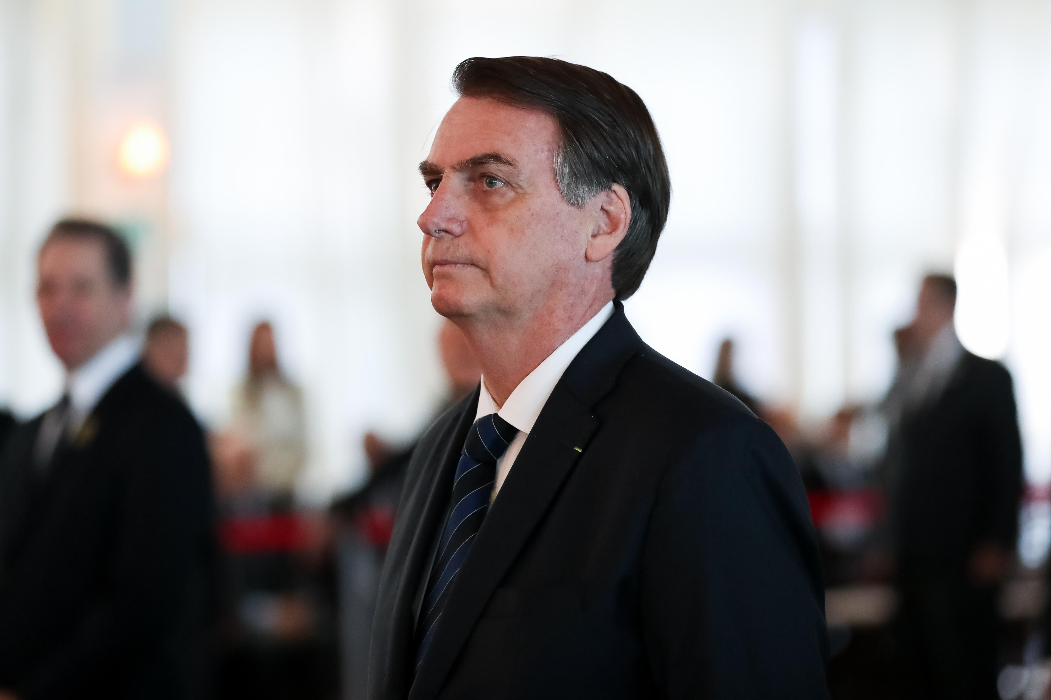 """Bolsonaro: """"Nossas orações estão com o povo francês"""""""