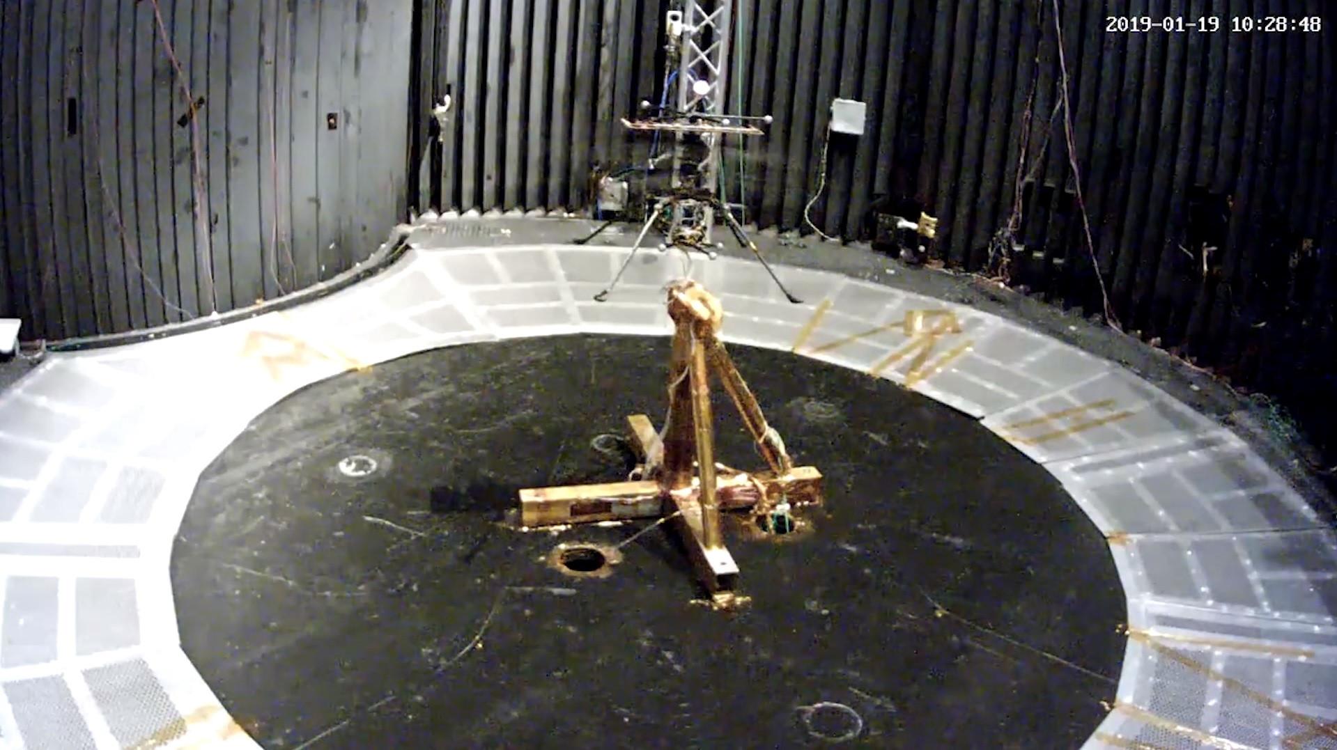 Nasa testa helicóptero que sobrevoará Marte