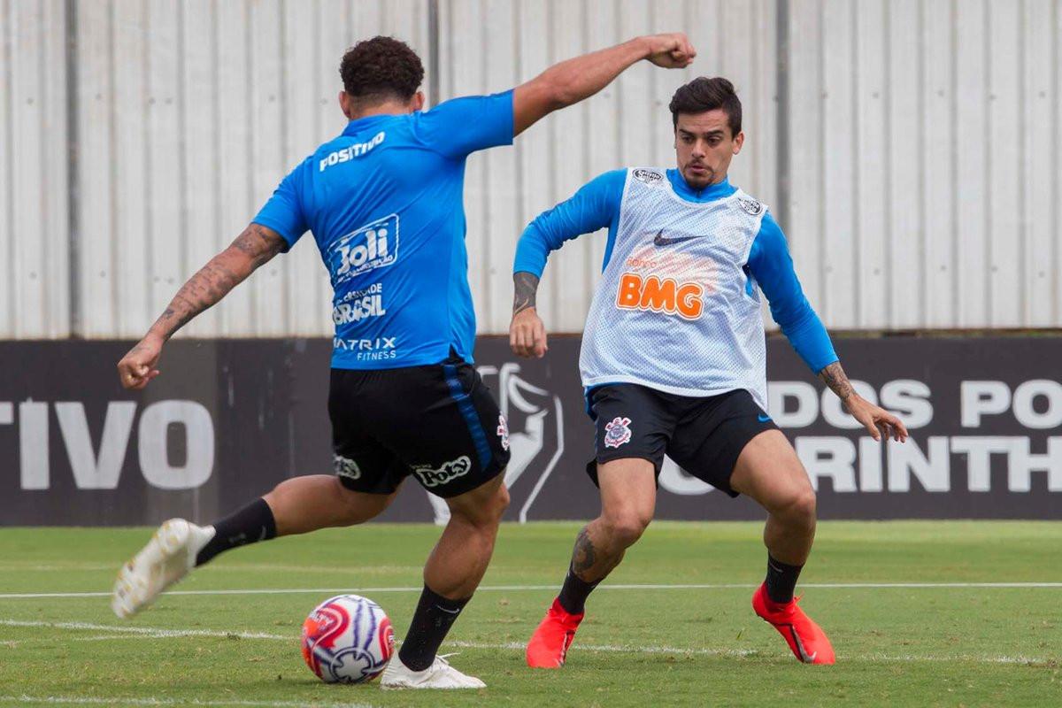 Corinthians tenta diminuir pressão em duelo com Athletico-PR