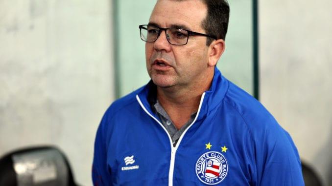 Após eliminação, Bahia demite o técnico Enderson Moreira