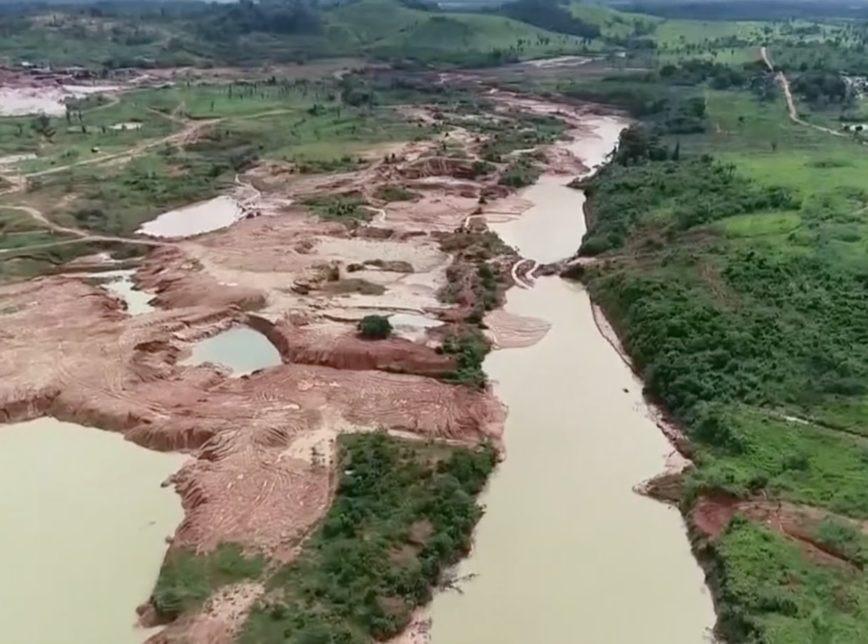 Três dias após rompimento de barragens, cem famílias seguem isoladas