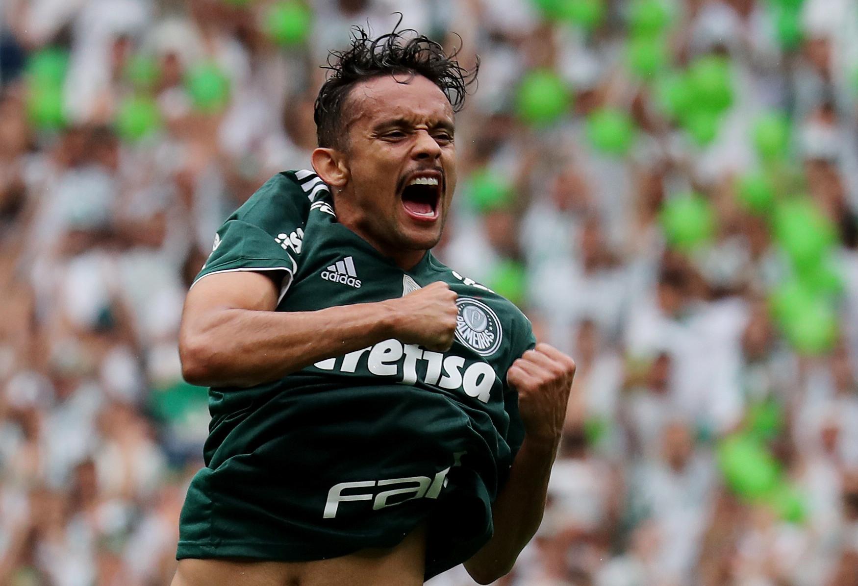 Scarpa é liberado após morte de avó e desfalca Palmeiras na 'Liberta'