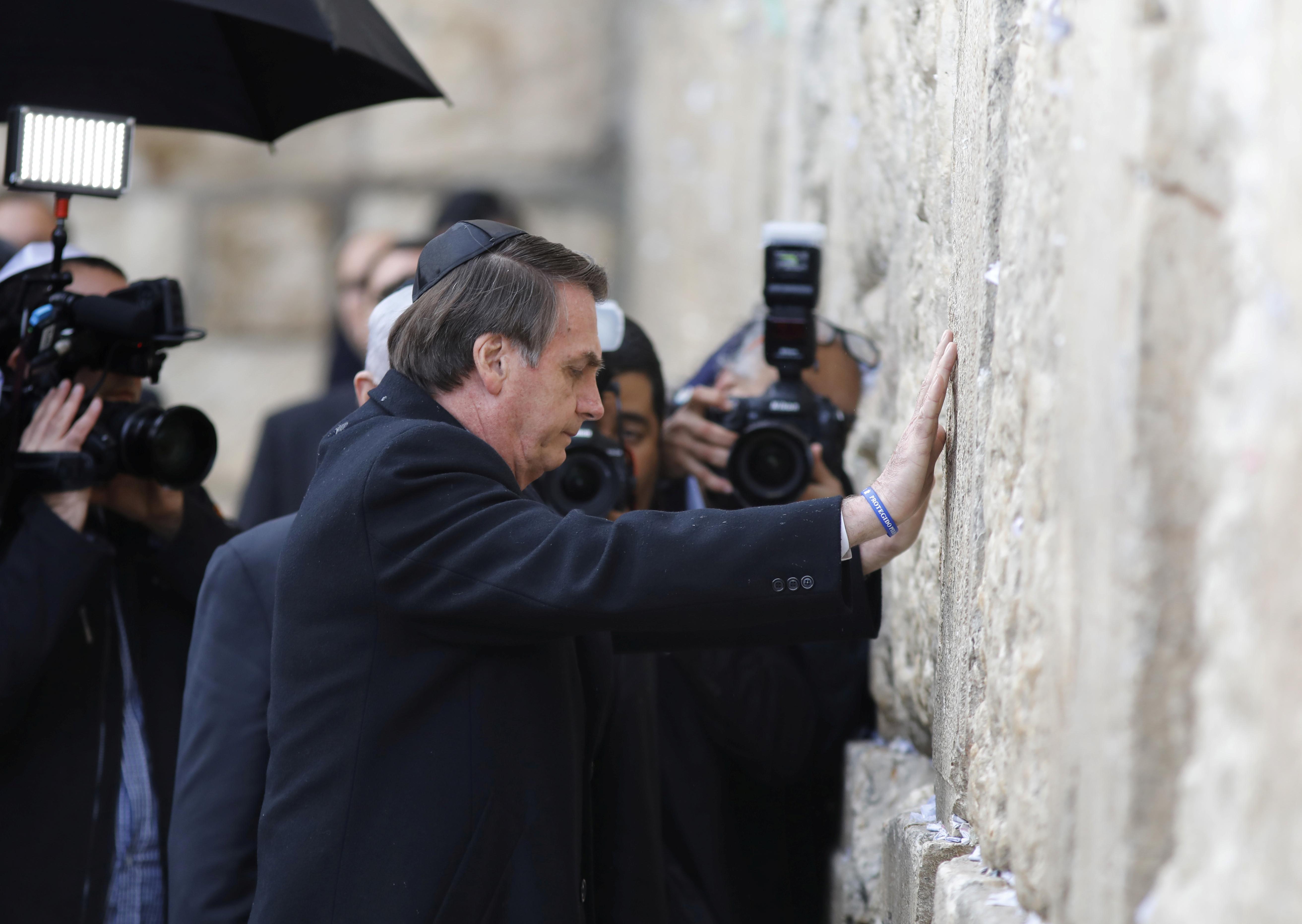 Bolsonaro cancela encontro com imigrantes brasileiros em Israel