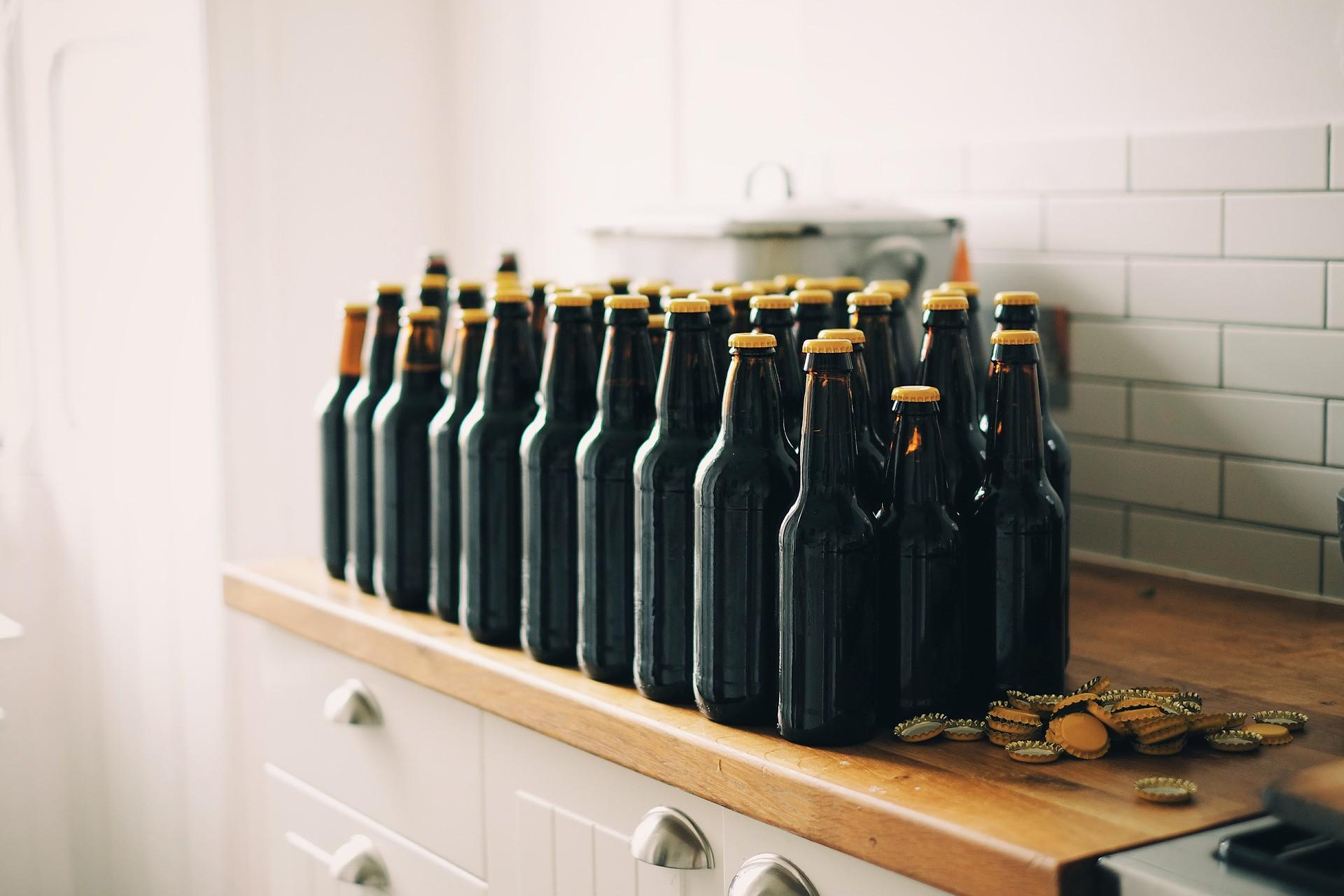 Esquema de falsificação de bebidas é descoberto em Contagem (MG)