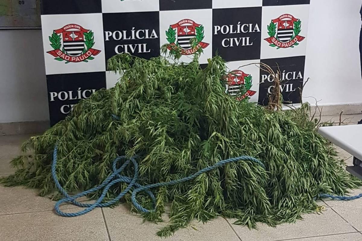 Polícia Civil encontra cemitério clandestino em Guaianases
