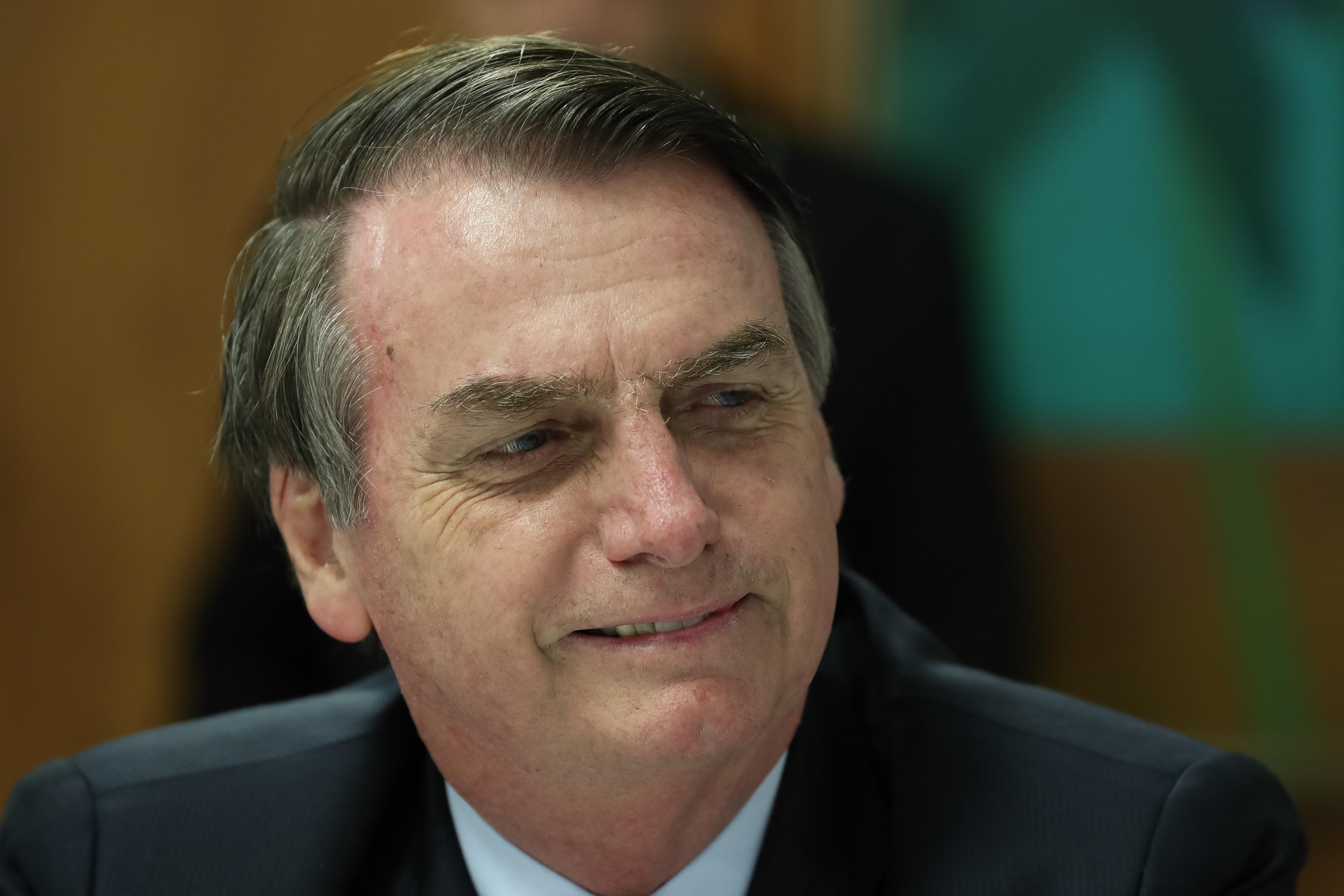 Bolsonaro usa Twitter para divulgar calculadora da 'Nova Previdência'