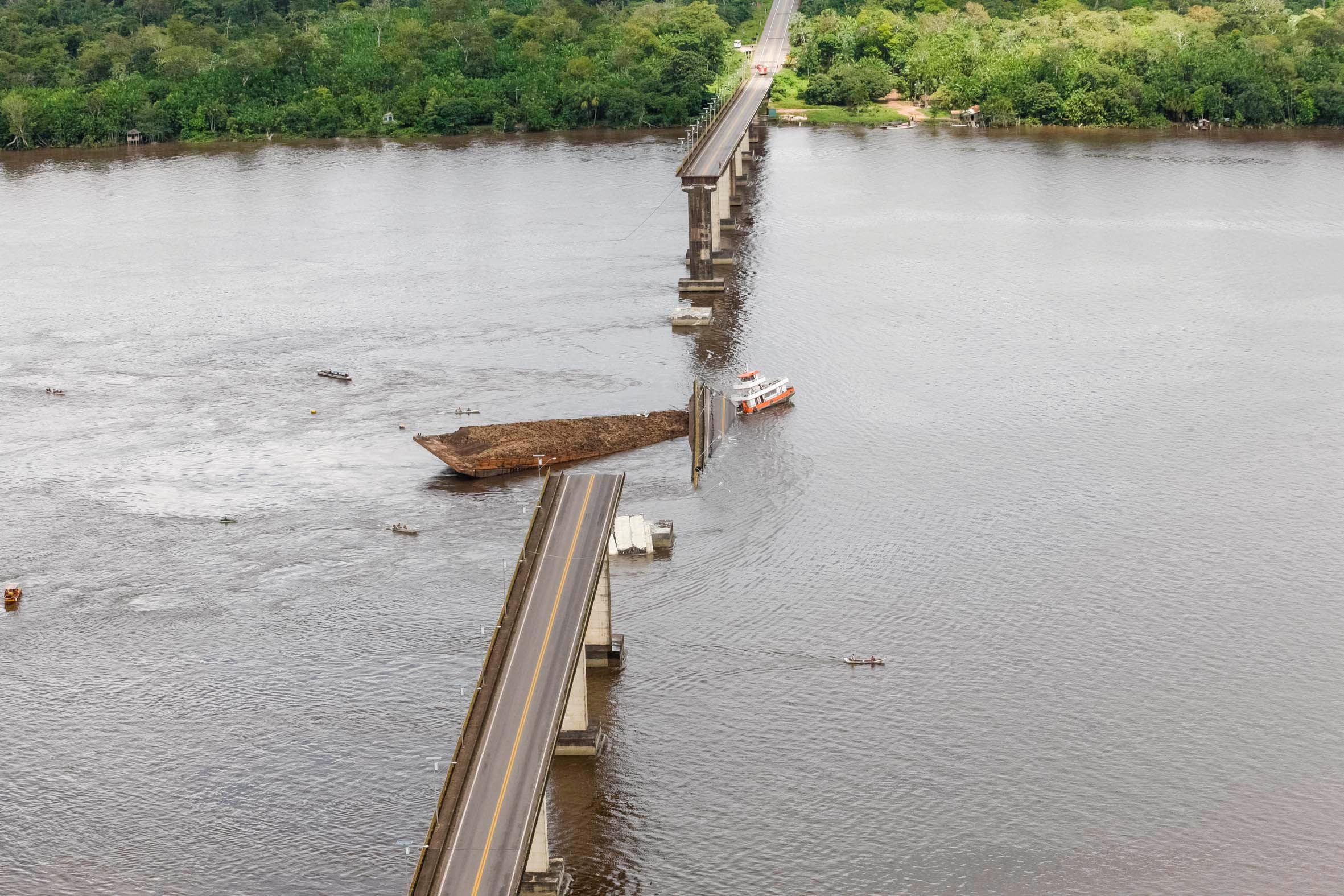 Testemunha: 'pessoas gritaram por socorro' em queda de ponte no Pará