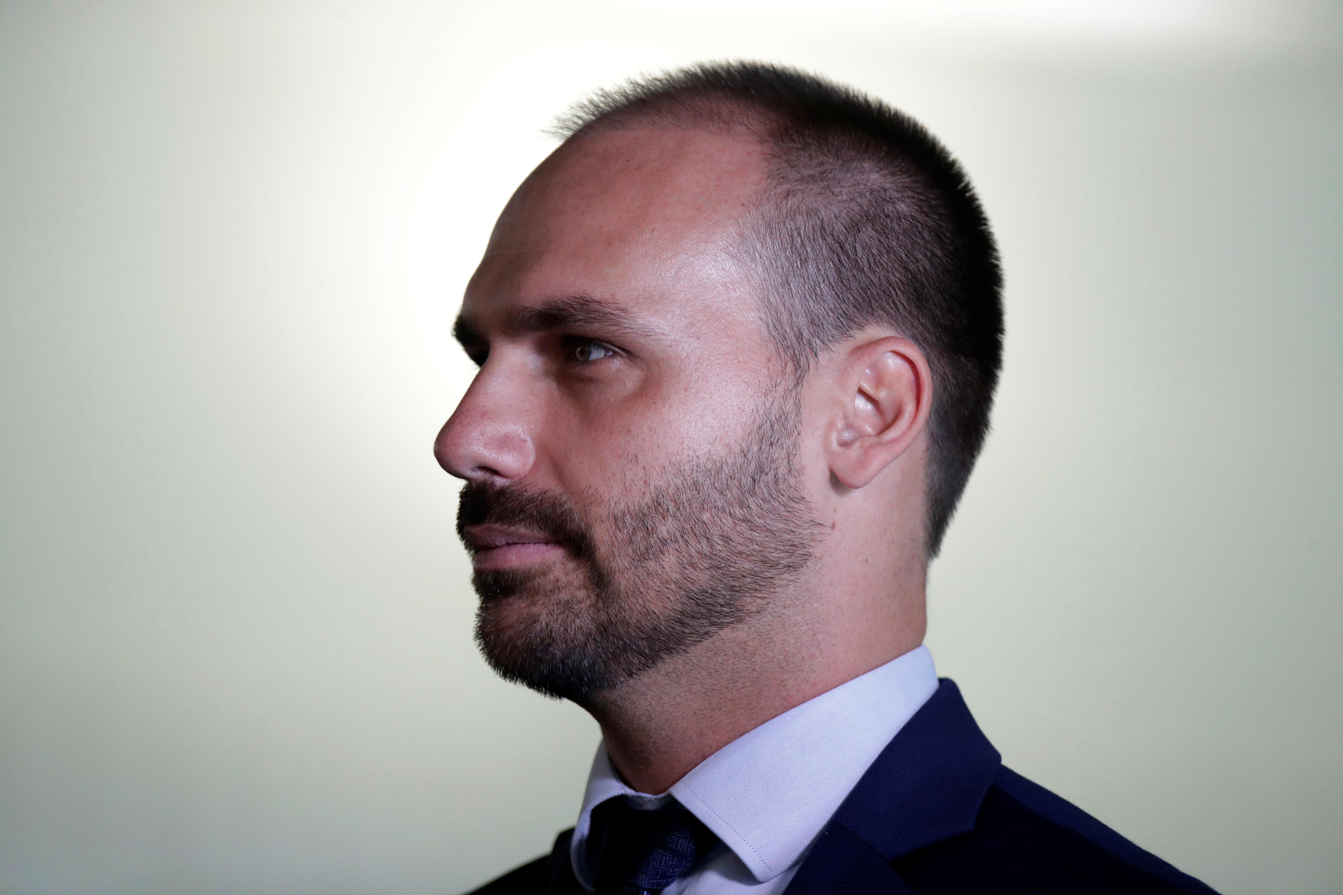 Online: filhos de Bolsonaro lideram lista de influenciadores de direita