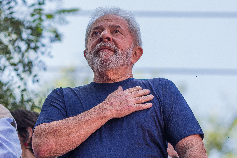 Lula completa 1 ano na cadeia à espera de recurso no STJ; entenda