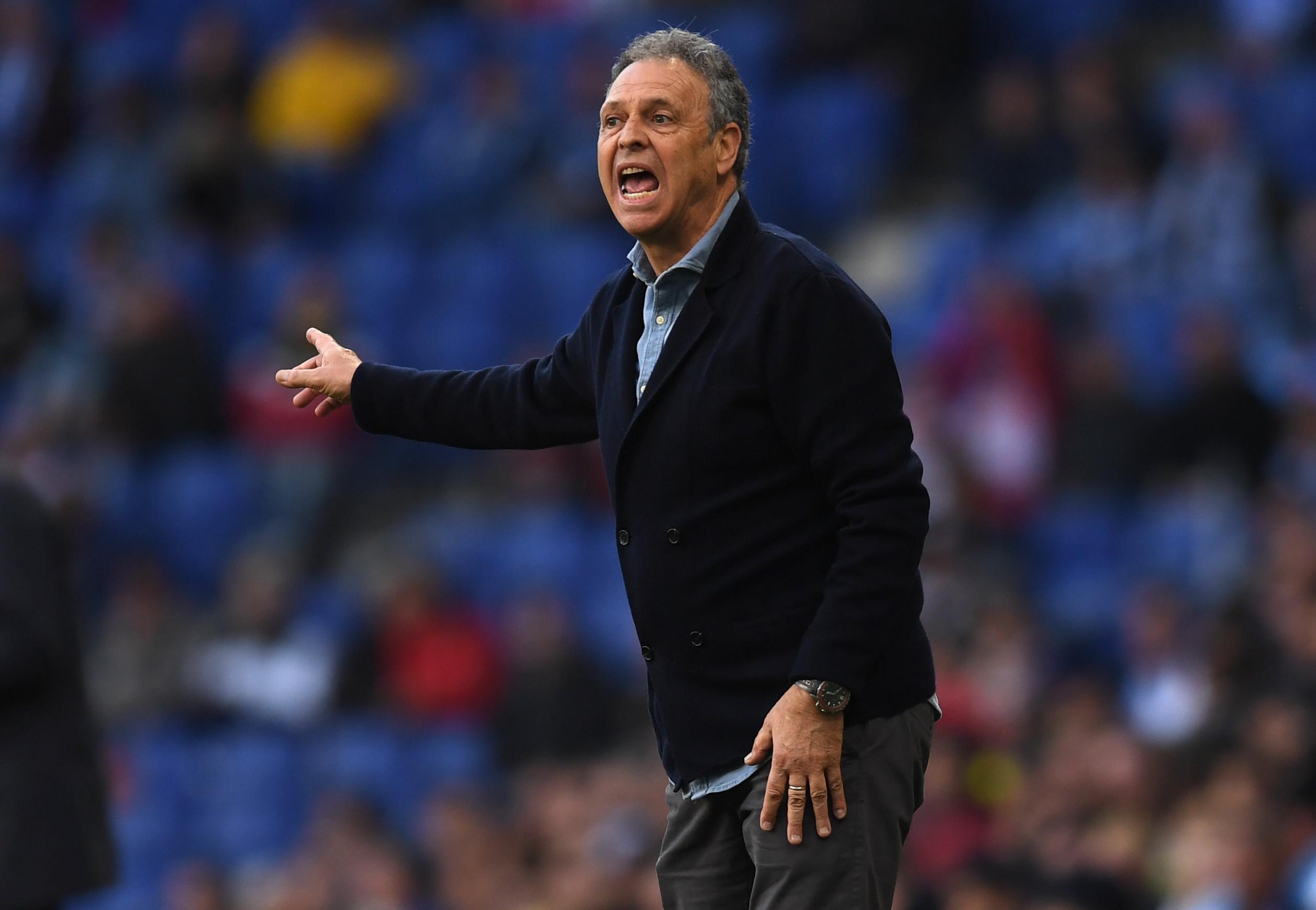 Técnico do Sevilla revela que está com leucemia, mas não deixará equipe