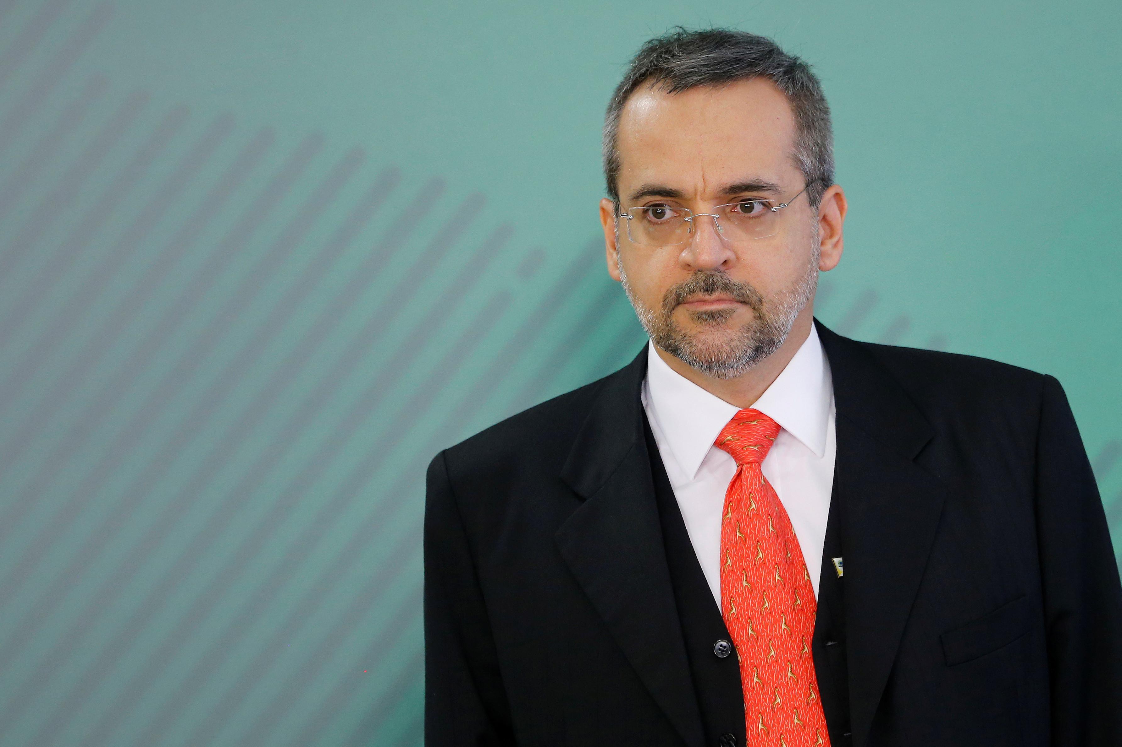 Ministro diz ser favorável à entrada da polícia nas universidades