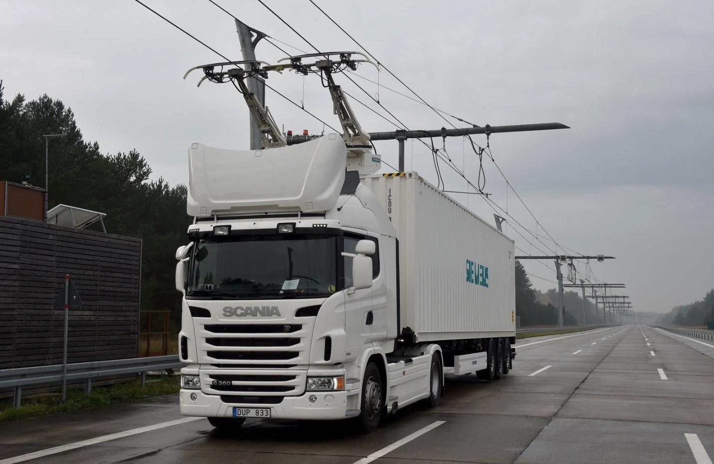 Alemanha começou a testar estrada para camiões elétricos